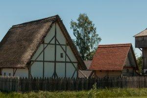 Bachritterbug: Nachbau einer mittelalterlichen Holzburg