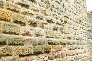 Mauer der Ruine Rechberg